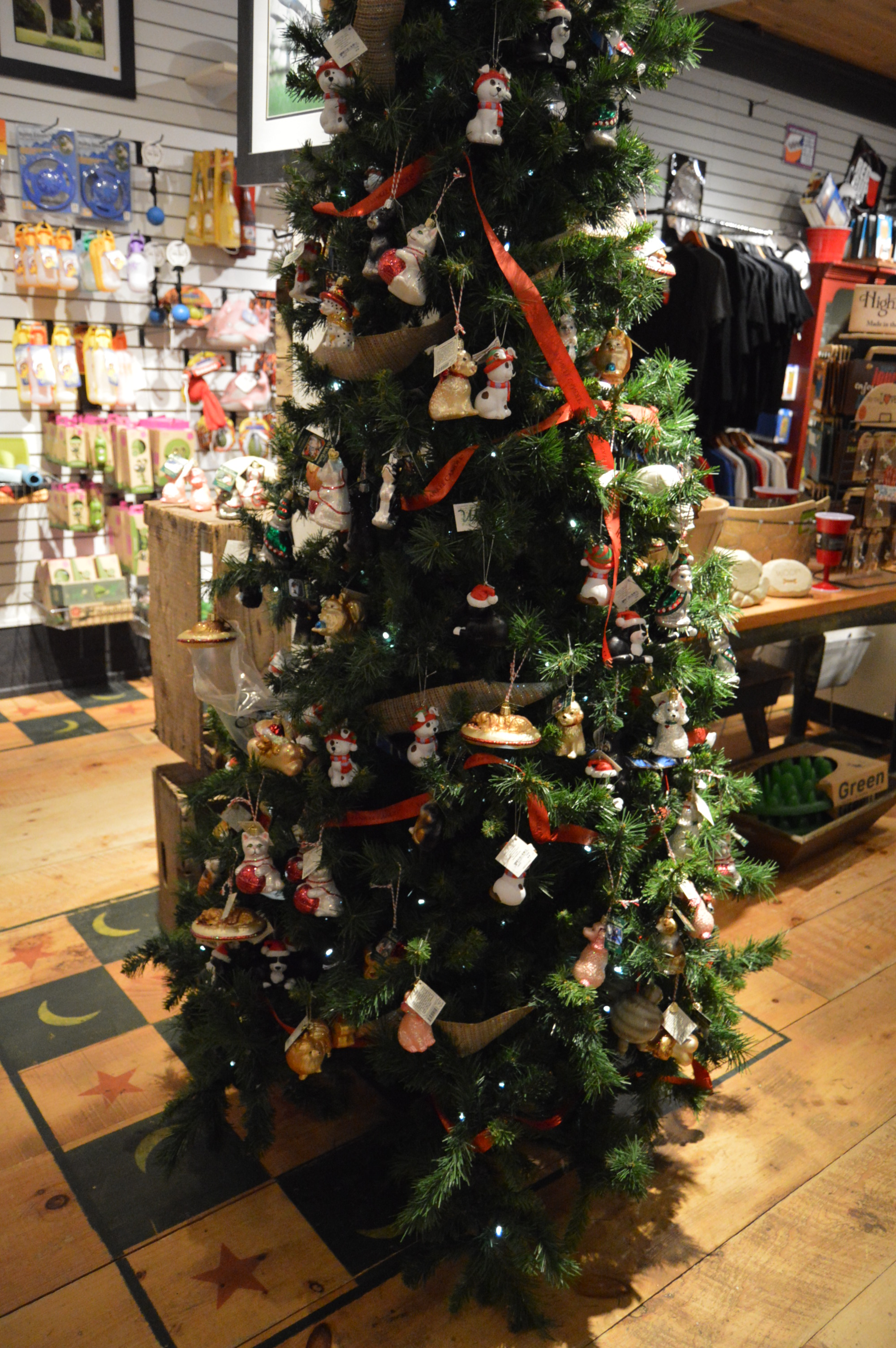 Yankee Candle Village (Deerfield, MA)   New England Nomad